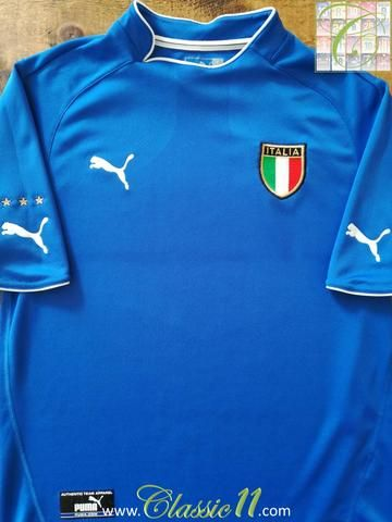 Relive Italy's 2003/2004 international season with this original Puma home football shirt.
