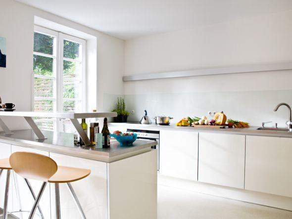 Homestory: Schlichte Und Elegante Küche Im Minimalistischen Stil. Hier  Findet Ihr Einrichtungstipps Im Skandi