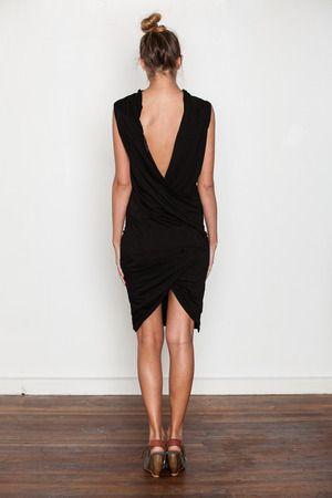 classic sheath: Pretty Dresses, Back Drkshdw Dress, Back Dresses, Style, Backless Black, Black Classic, Little Black Dresses, Classic Black, Sheath Dresses