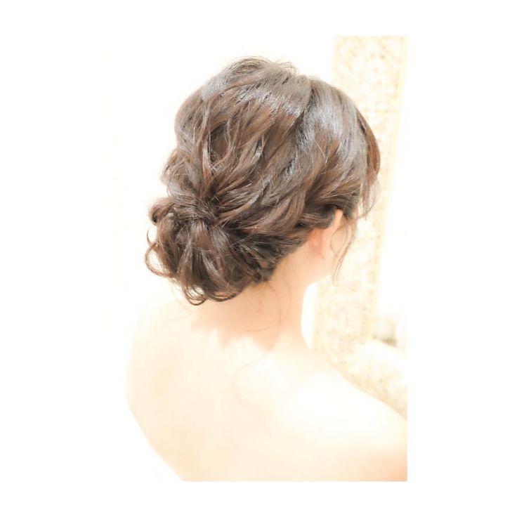 ボブの長さでルーズなギブソンタック #hair #makeup #wedding #photoshooting #camera #fashion #ハワイウェディング #ウェディング #ヘアメイク #ヘアスタイル #ヘアアレンジ #ウェディングドレス #花嫁 #プレ花嫁 #カメラ女子