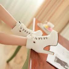 Resultado de imagen para botas con encaje tacon blanco