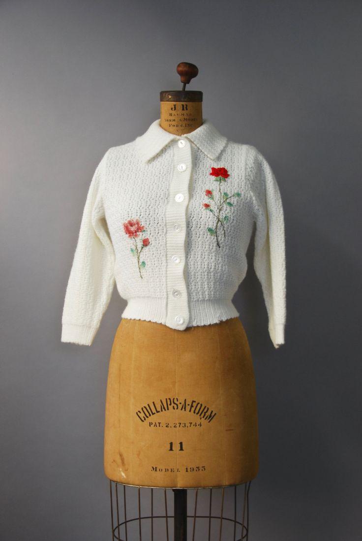Mooie jaren 1950 dikke brei orlon wit vest met geribde taille en manchetten…