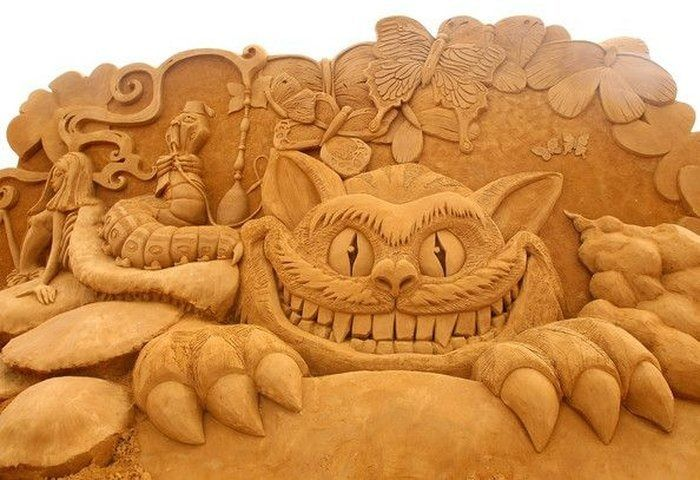 Alice In Wonderland: This wonder of a sand-creation is from the recent Sand Sculpture Exhibition In Melbourne, Australia: