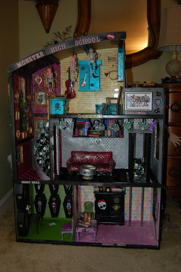 25 Best Ideas About Monster High Dollhouse On Pinterest