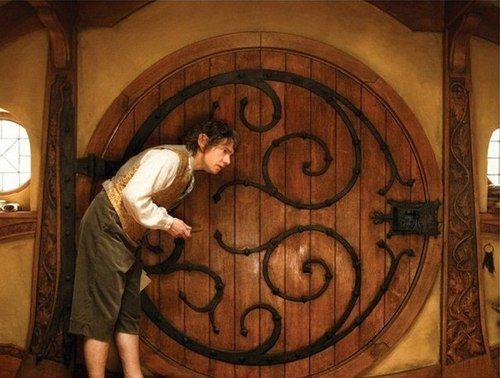 Bilbo Baggins | The round door | Bag End | The Hobbit (Jackson 2012)