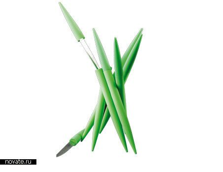 Ножик для нарезки зелени, похожий на…зелень  Как мне нравятся проекты, которые можно назвать «говорящими». Конечно, радуют и сюрпризы, когда заранее не знаешь, для чего та или иная вещь нужна. Но вот такого плана тоже эмоции положительные вызывают.    ножи, утварь, еда
