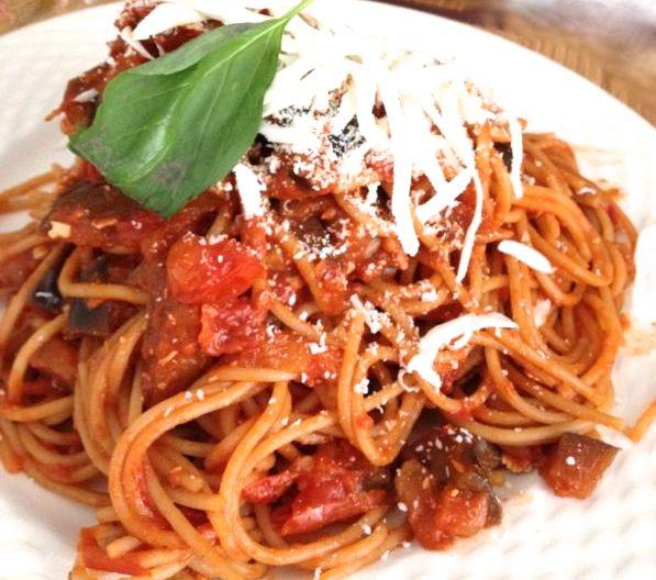 Vecchia Macina - Not Only a Food Blog: Spaghetti Norma