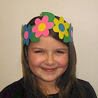 Flower Power Headband for the courageous and strong Daisy. Instructions include printable patterns. www.freekidscrafts.com