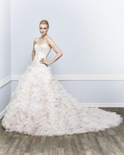 Igen Szalon Kenneth Winston wedding dress- 1653 #igenszalon #wedding #weddingdress #kennethwinston #eskuvo #eskuvoiruha #menyasszony #menyasszonyiruha #Budapest