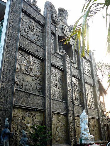 Gangaramaya temple, Colombo. Sri Lanka (www.secretlanka.com)
