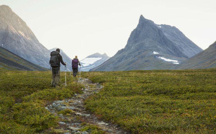 Vild med at vandre? Så træk i vandrestøvlerne og begiv dig afsted på en af disse 10 fantastiske vandreture i Sverige - vi lover de ikke skuffer!
