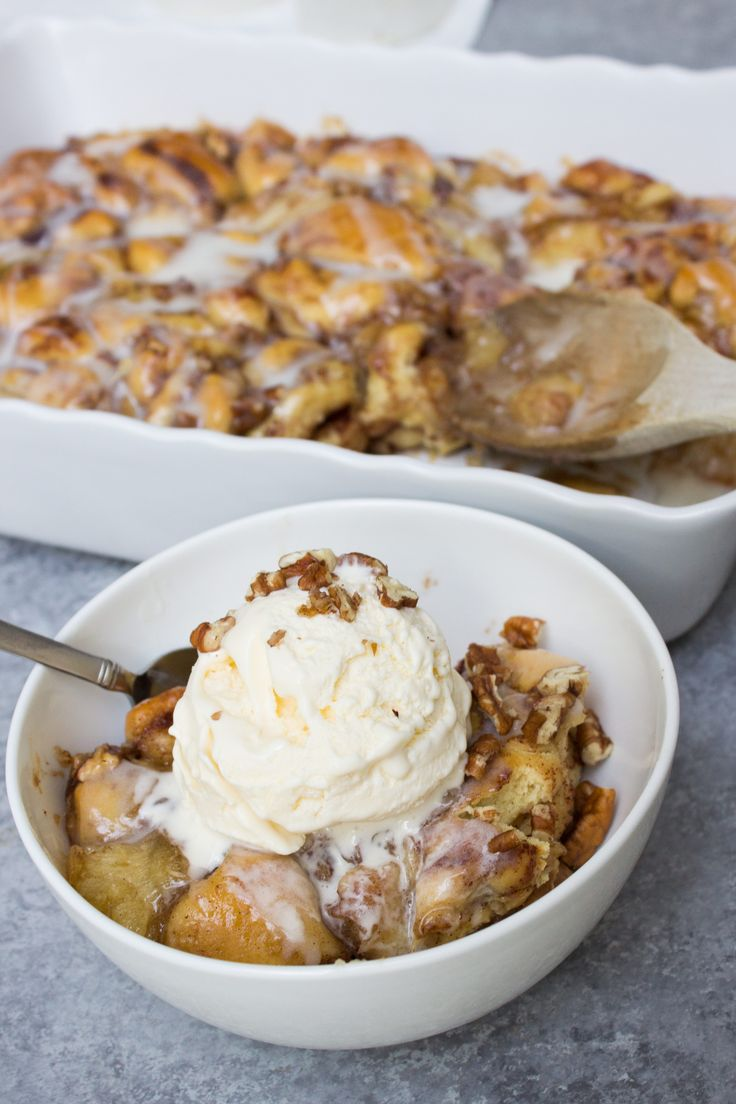 This Cinnamon Roll Cobbler is made with Pillbury cinnamon rolls, apple pie filling, and pecans. THAT'S IT!! You can also swap out any pie filling you want!