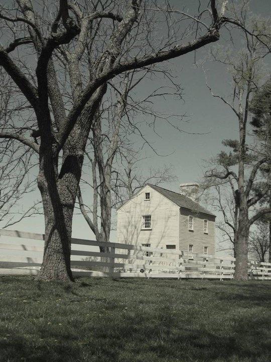 Kentucky!: Farms Houses, Houses Kentucky, Farmhouses Porches, Barns Houses, Photo, Houses Barns, Farm Houses, Shakers Farmhouse