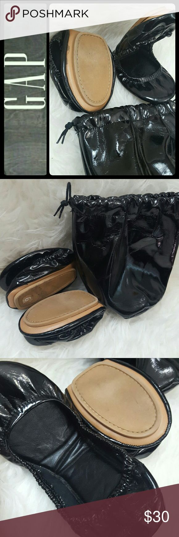 Gap Foldable Flat Shoes Gap Signature Foldable Flats in Easy Carry Bag! Faux Patent Leather Style with Tonal Stitching Details! This Pair of Flats Comes Handy Inside Its Own Dust Bag! Perfect for Prom or Wedding Events to Change Into from Wearing Those High Heels! Very Compact and Can Fit In Your Regular Purse! Used in Mint Condition! Size 6 GAP Shoes Flats & Loafers