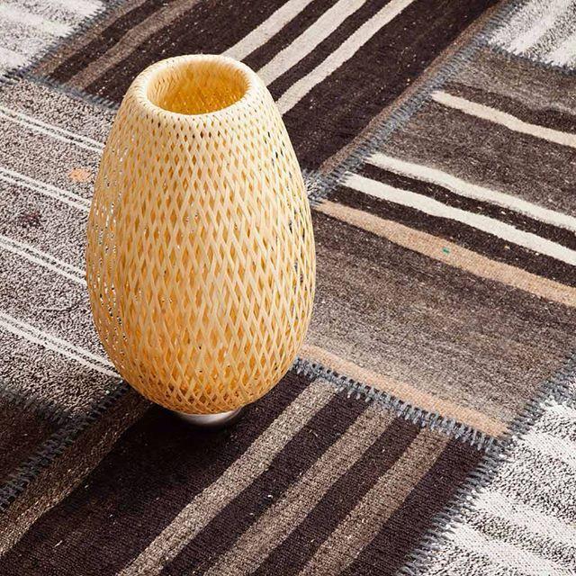 Ihanat sävyt tässä patchwork kilim -matossa!  #Sukhimatot #patchworkrug #matto #sisustus #sisustaminen #ruskea