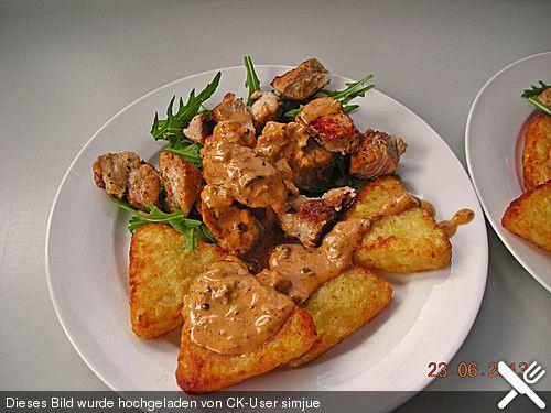 Putenmedaillons in Pfefferrahmsauce auf Rucola (Rezept mit Bild) | Chefkoch.de