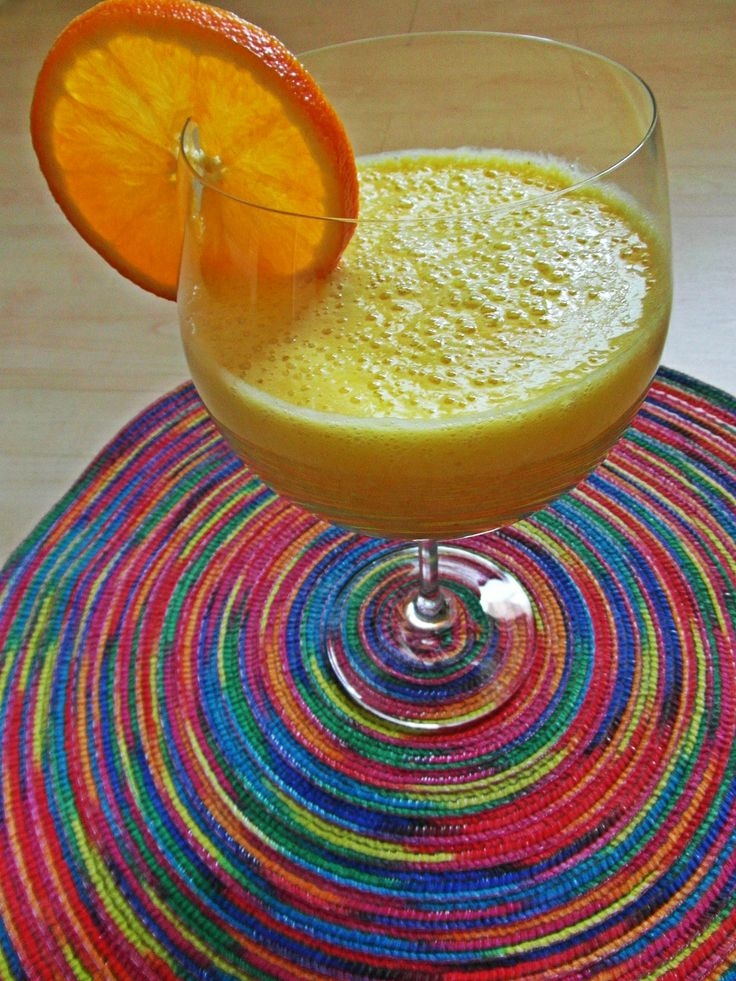 ananas, bílé hrozno, pomeranč, citron