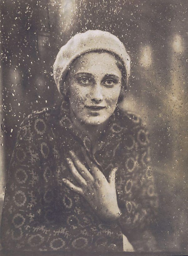 Margaret Vyner (1931) by Harold Cazneaux, AGNSW