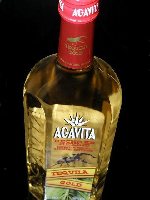 домашняя текила в бутылке