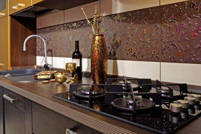 Фартук на кухне из керамической плитки