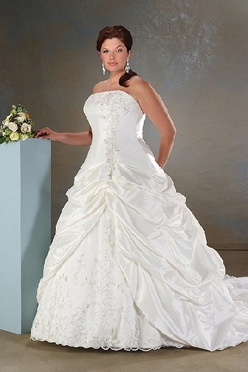 Beautiful A Line princess Strapless Cathedral Satin Bridal Gown