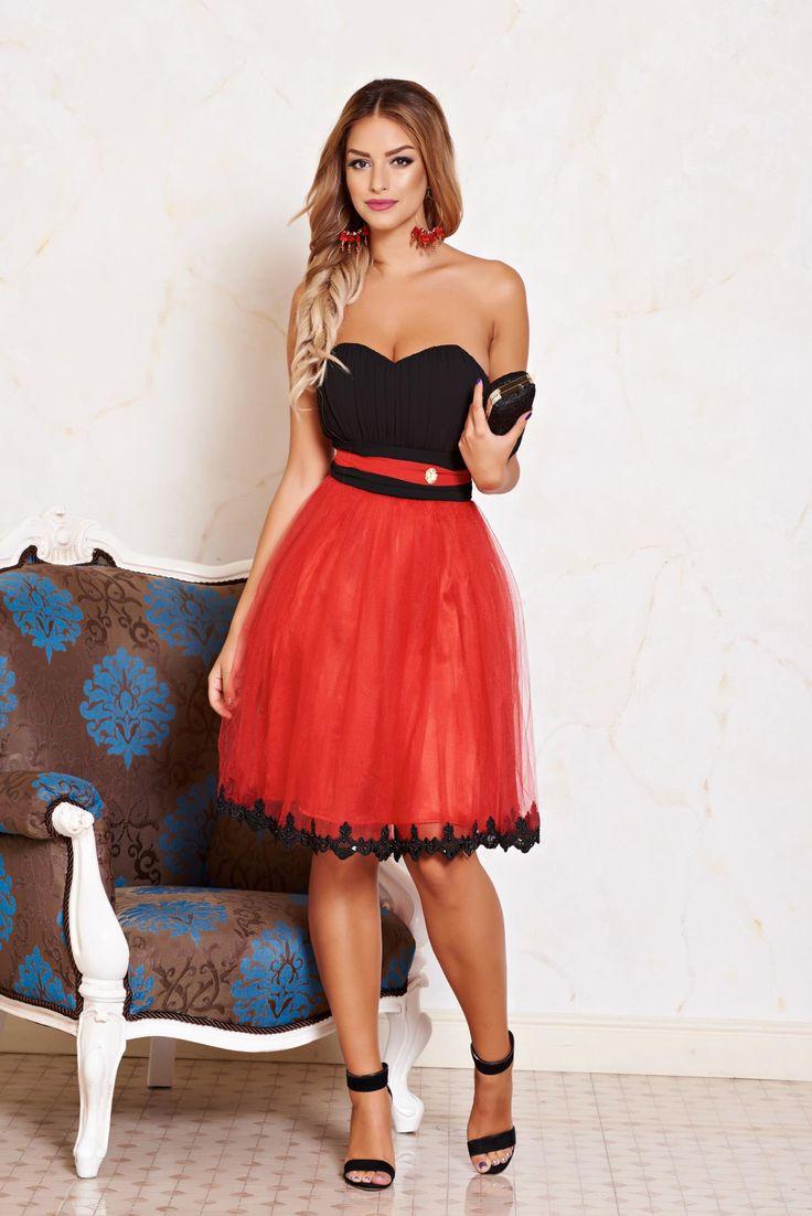 Rochie LaDonna Lovely Sequin Black. Rochie LaDonna pana la genunchi, eleganta…
