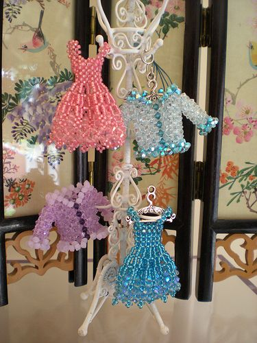 Miniature Beaded Dresses and Bags by Sian Nolan - The Beading Gem's Journal