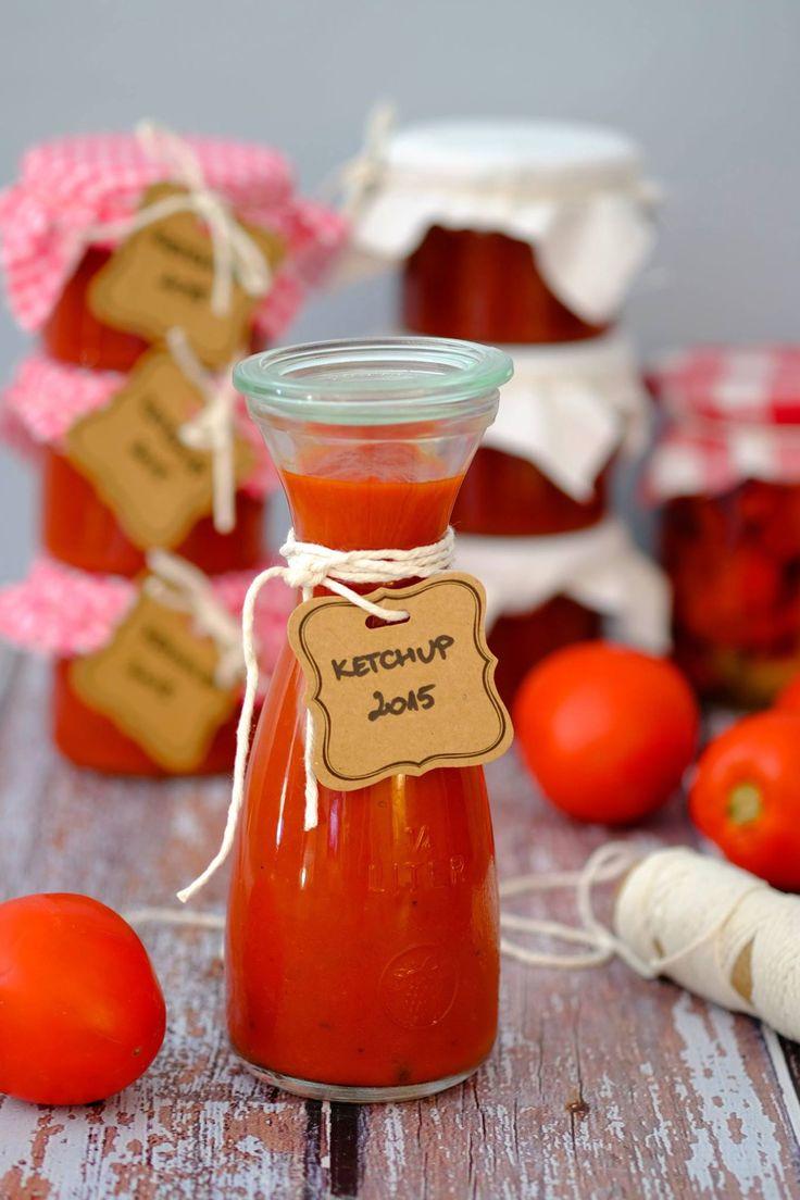 Przepis na domowy ketchup pikantny.