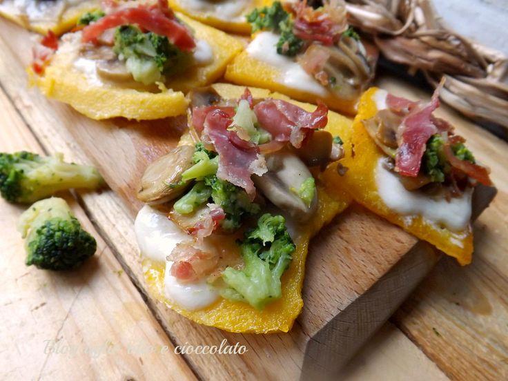 Crostini di Polenta e Broccoli!! Sono semplici,gustosi e saporiti!! Io li preparo ogni volta che faccio la polenta