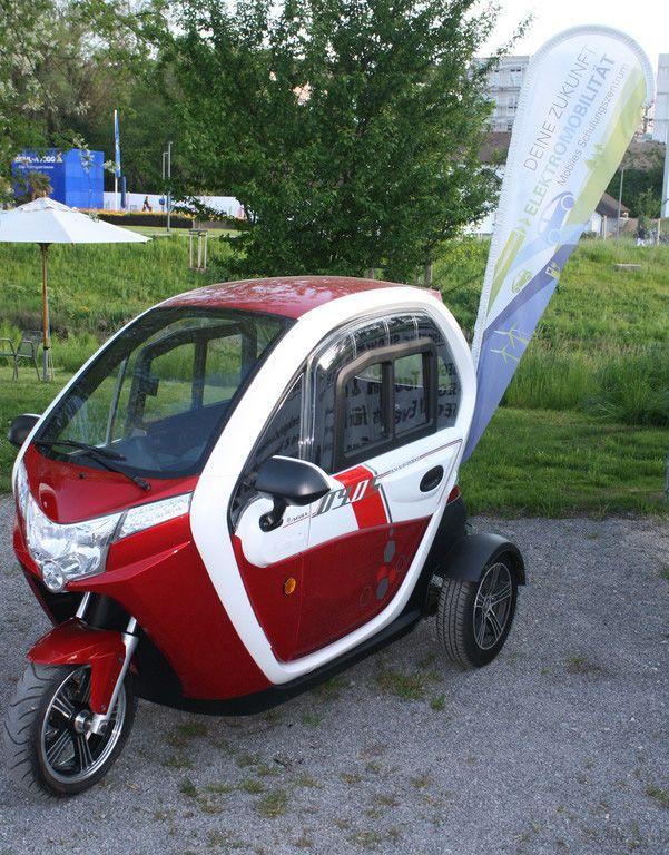 www.25km.de - Autofahren ohne Führerschein - 25km Mofa-Auto - 25km Dreirädriges Kleinkraftrad geschlossen -