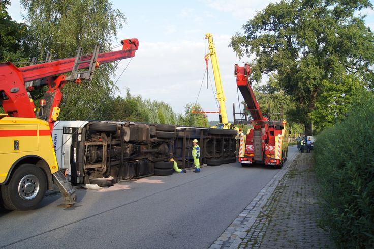 Obsługa kolizji drogowej - Pomoc Drogowa Szkwarek - Holowanie Niemcy Polska - Osobowe, ciężarowe.