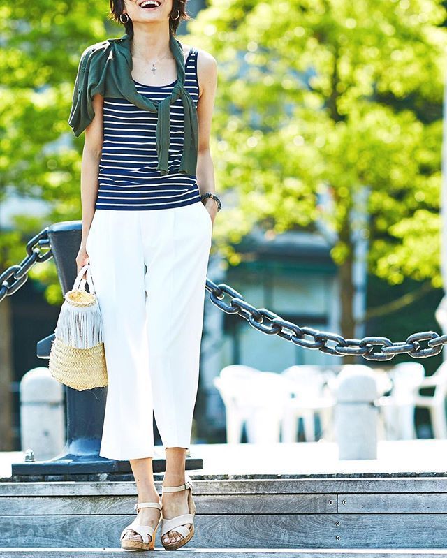 Everyday essentials with UNIQLO. フィット感もあり露出度高めの#ブラタンクトップ はボーダー柄をセレクト。とろみ感のある#ドレープワイドクロップドパンツ でゆるさをプラス。 #uniqlo #whereuniqlo #ootdstyle #ootdfashion #fashionista #lookoftheday #tanktop #bratop #widepants #croppedpants #pants #ユニクロ #シンプルコーデ #ユニママ #ユニジョ #大人カジュアル #今日の服 #上下ユニクロ  #毎日ユニクロ #カジュアルコーデ #休日コーデ #デートコーデ #ライトvネックカーディガン #カーディガン #ワイドパンツ #クロップドパンツ #ブラトップ #ユニクロ感謝祭 ブラタンクトップ: 165056-69 ドレープワイドクロップドパンツ: 163833-01 ライトvネックカーディガン: 164415-57