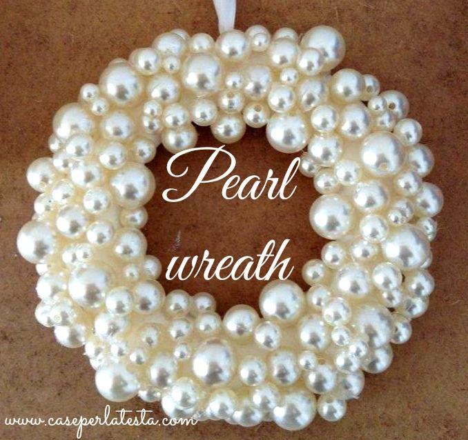 Decori di Natale: corona di perle fai da te * Christmas decorations: diy pearl wreath