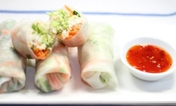 Thai chicken rice paper rolls  - Kidspot