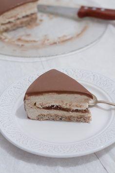 Le marronnier (crème de marron, meringue et noisette)