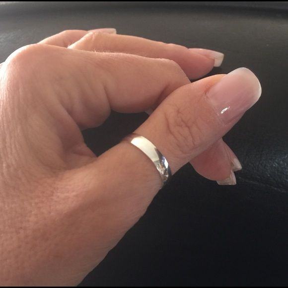 SALE! 925 Sterling Silver Smooth Band Thumb Ring❤️ 925 Solid Sterling Silver Band Ring or Thumb Ring 4mm wide. Size 8 Weight: 3.030 grams. Size 9 Weight: 3.130 grams. After purchase please specify in comments what size you need. Thank you! Jewelry Rings