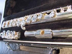 """Our """"Classic"""" closed hole model for beginning students. Played and recommended for generations by teachers worldwide, this model is the first choice in the American tradition for learning the flute."""
