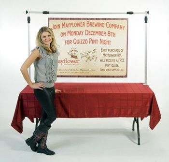 how to put a banner on a table
