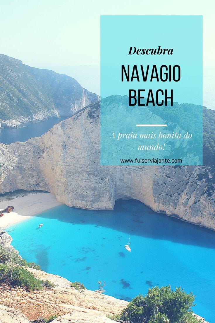 Navagio Beach já foi eleita a praia mais bonita do mundo várias vezes. Um dos lugares mais perfeitos da Grécia! Nadar na águas geladas e transparentes de Navagio foi uma das melhores experiências da minha vida viajante!