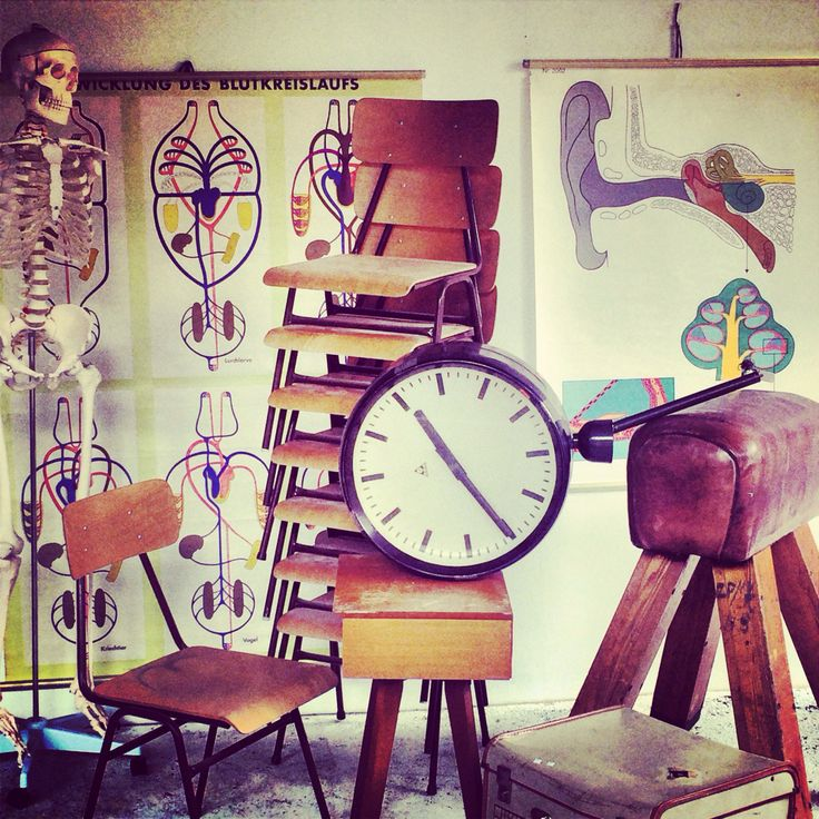 It's time to go back to school with this week's Vintage Interiors Auction! Everything you see here will go under the hammer! Skeleton anyone? Have fun with this week's catalogue! Jump online and have a look! leonardjoel.com.au #auction #melbourne #design #interiors #vintage #furniture