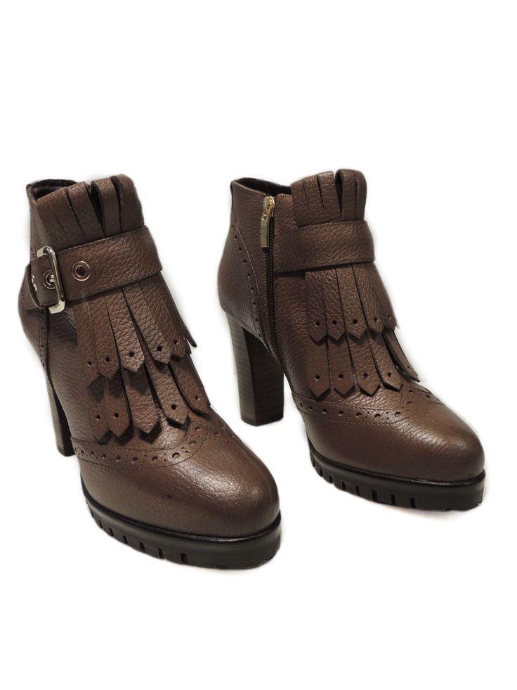#stivali #stivaletti #calzature e molto altro su www.parmax.com  Scopri tutte le nostre novità a prezzi incredibili! Contattaci per ulteriori informazioni!