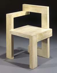 Silla de madera.