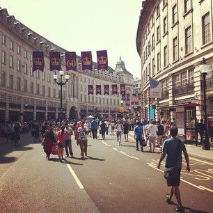#summerstreets is happening today on #regentstreet until 6:00pm! by @wfm_piccadilly