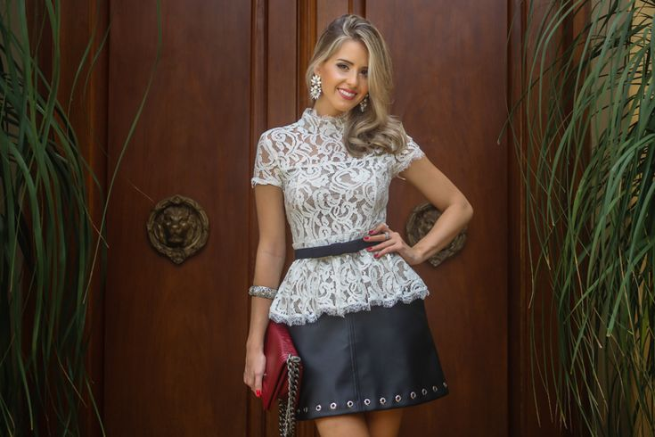 Marina Casemiro » Look: blusa renda peplum + saia couro ilhós + maxi brinco pedras off!