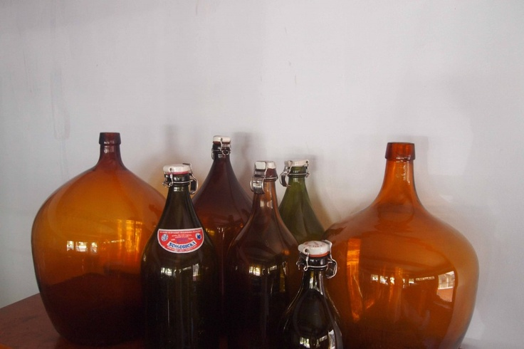 dating antique beer bottles Estimating the age of antique bottles can sometimes be a difficult task even for the experienced  i found a beer looking bottle very thick with was on the .