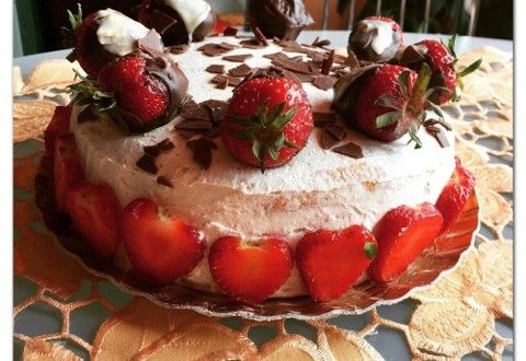 Tort de iaurt cu căpșuni | Arad 24 - Știri conectate la realitate