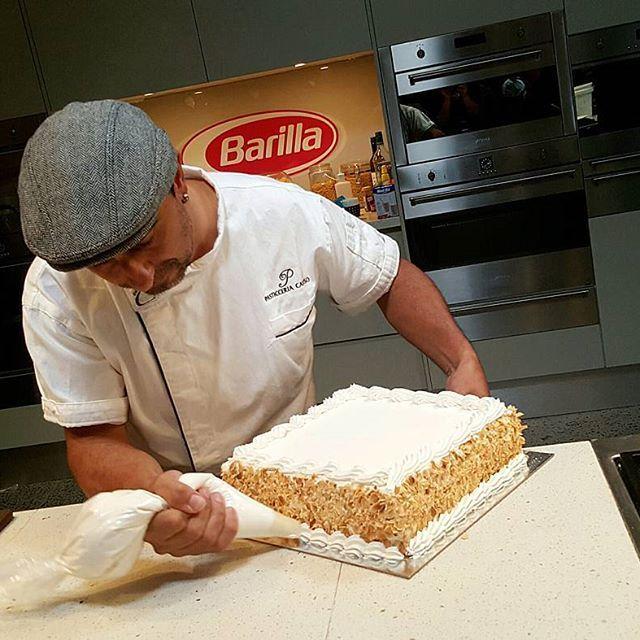 THE CONTINENTAL CAKE.  @pasticceria_caruso  @josiegags @barillaaus @thewogwiththegrog  #continentalcake  #pasticceriacaruso