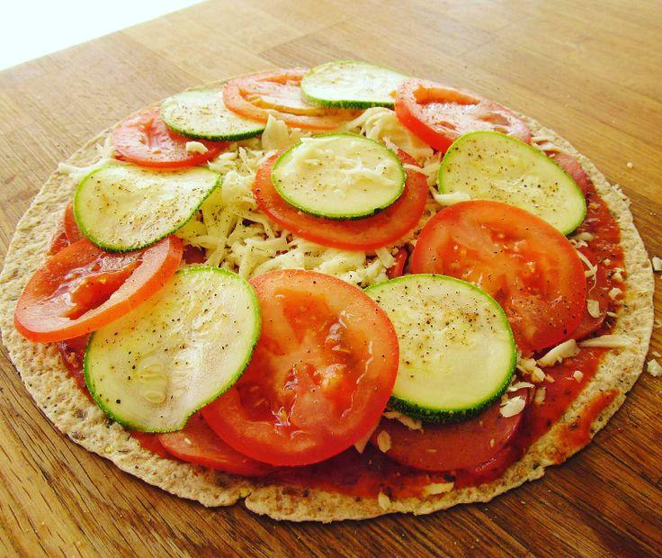 Bonjour, vous allez bien?   Moi oui, très bien 😊     Aimez-vous la pizza?   Ici c'est pas mal le plat préféré des enfants. Les meilleurs p...