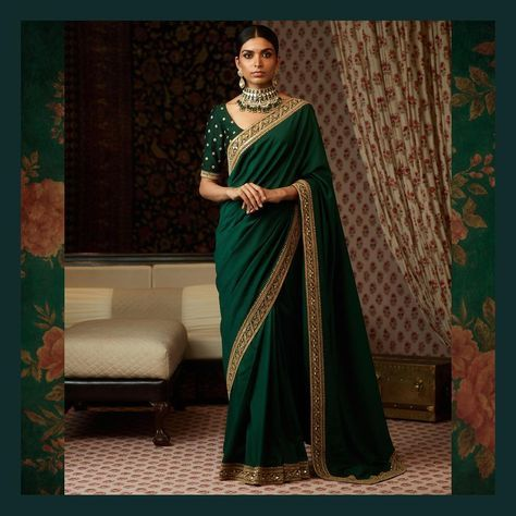 Tussar Georgette Saree with a vintage zardosi border and an embroidered blouse. Uncut Diamond, emeralds and pearls from the Sabyasachi heritage jewelry collection. #Sabyasachi #SabyasachiJewelry #TheWorldOfSabyasachi