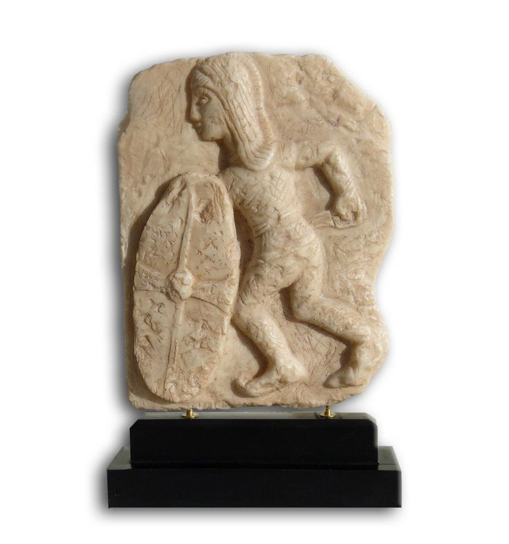 Altorelieve Guerrero con Escudo de Osuna | Figura de resina | Arte Ibérico